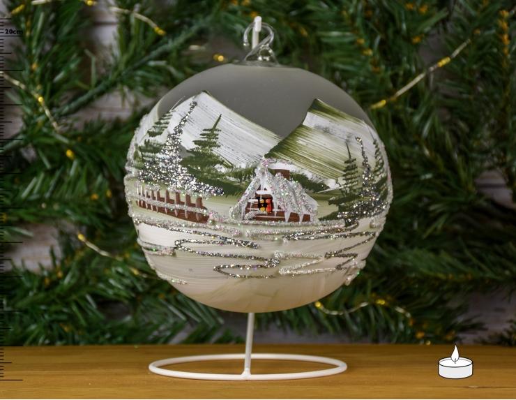 Boule de Noël kaki avec chalet...