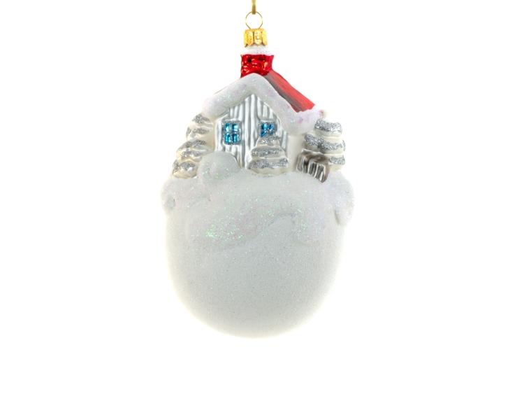Boule de neige en verre soufflé avec chalet d'hiver